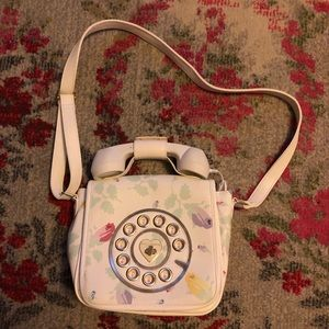 NWOT Betsey Johnson Phone Crossbody